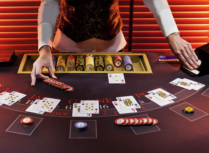 Blackjack - Rules and strategies of the game- Casinos Barrière