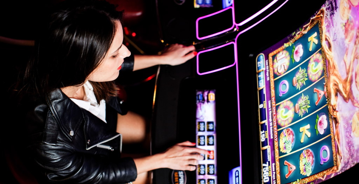 Play our Slots Machines and bet as little as 1 cent at Casinos Barrière