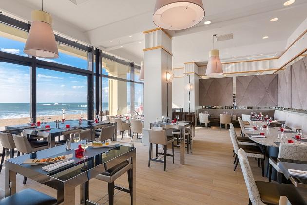 caf de la grande plage cuisine traditionnelle plats du. Black Bedroom Furniture Sets. Home Design Ideas