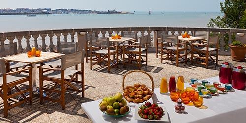Jeux de table machines sous et plus au casino barri re la rochelle - Restaurant la rochelle port ...